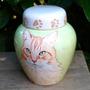 Bijzondere-urnen-voor-katten-urn-voor-dieren-urn-kat-laten-schilderen-urn-laten-maken-kattenurn-urn-met-pootafdruk-hand-beschilderde-dieren-urn-laten-maken-gepersonaliseerde-urn-maatwerk-urn-kat-urn-huisdier-urn-voor-huisdieren-urn-unieke-urnen-voor-kat