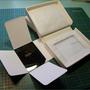 Soeurs de Miséricorde : Boîte style Clamshale pour photo sur verre.