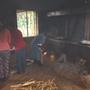 Verqualmte Küche, mit der Spende neuer Öfen, auch Vergangenheit