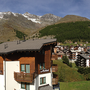 panorama view west-facing balcony Ferienhaus-Apartment Golf Saas-Fee