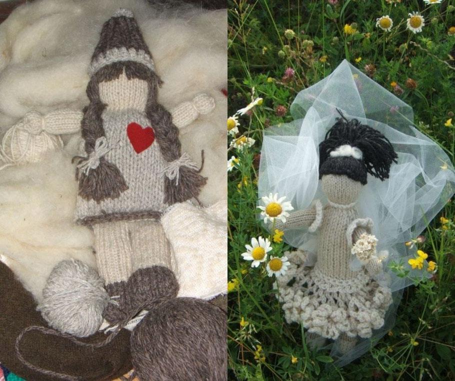 Prime bambole in lana dell'Appennino fatte a maglia, quella a sinistra è la prima in assoluto.