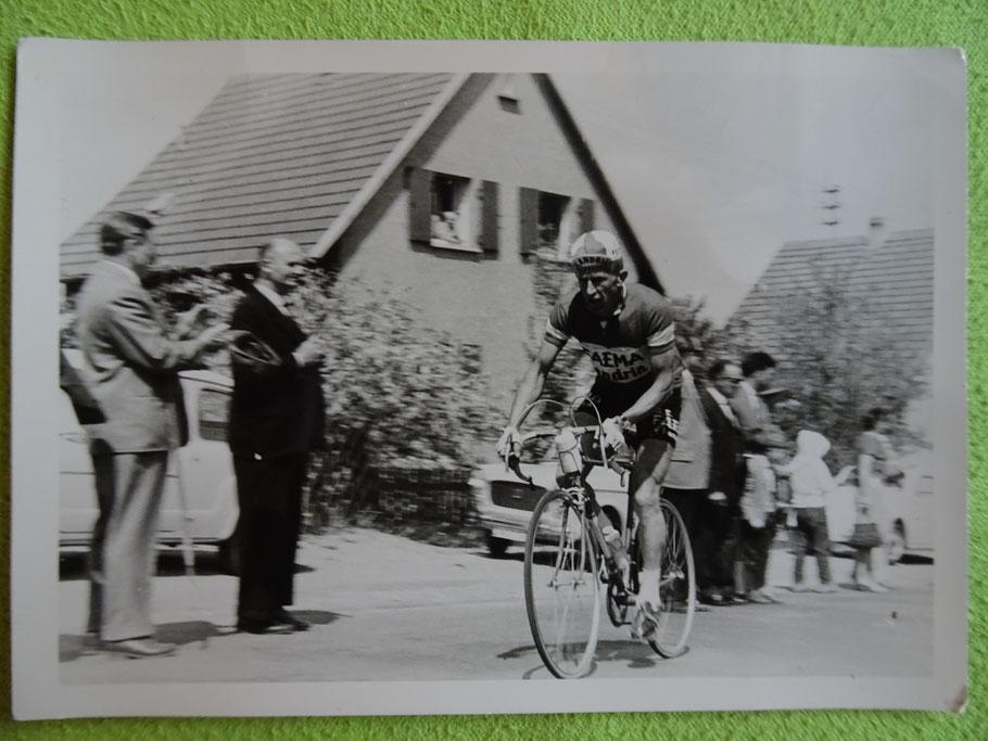 Ein Foto von der Erstaustragung 1962 - zu sehen ist der spätere Sieger Armand Desmet