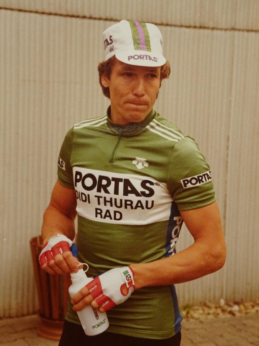 Im eigenen 2-Mann Team fuhr er 1984 vornehmlich Bahnrennen und einige Strassenrennen - jedoch abseits der großen Klassiker