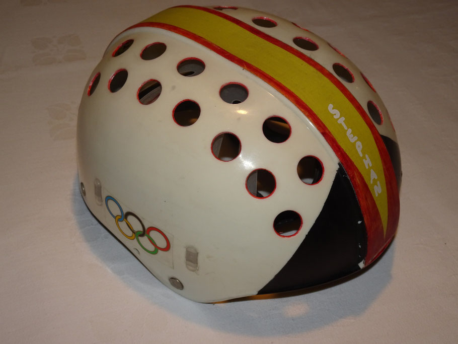 Der Trott-Helm