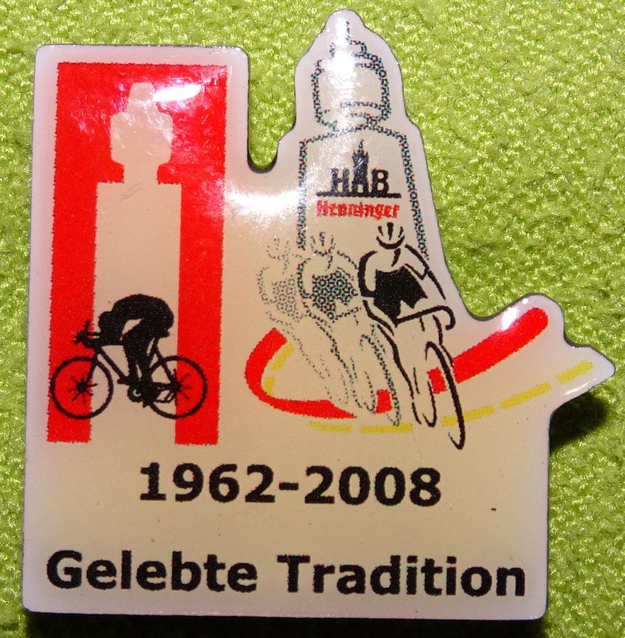 Ansteck-Pin - zum letzten Henninger-Turm Rennen 2008 - im Folgejahr änderte sich der Name
