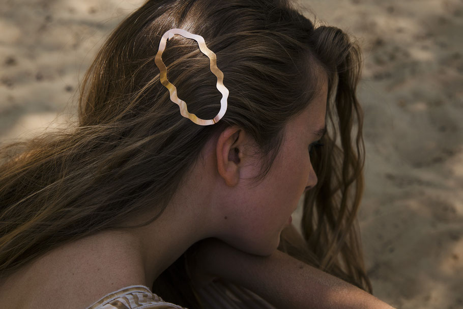 CLINQ Edition #03: NINA; contemporary hair jewelry; hair clips; barrettes