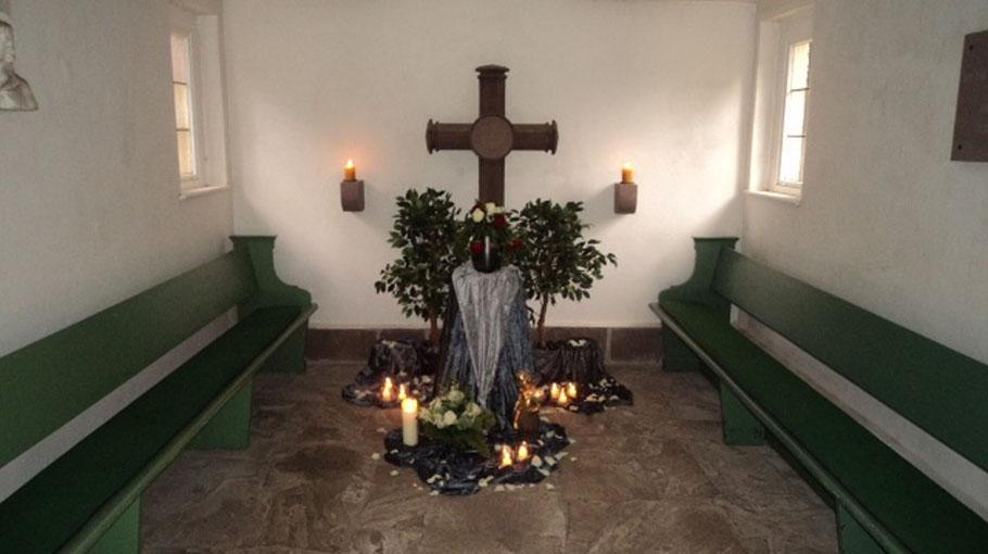"""Urnenbestattung aus der """"Alten Friedhofskapelle"""""""