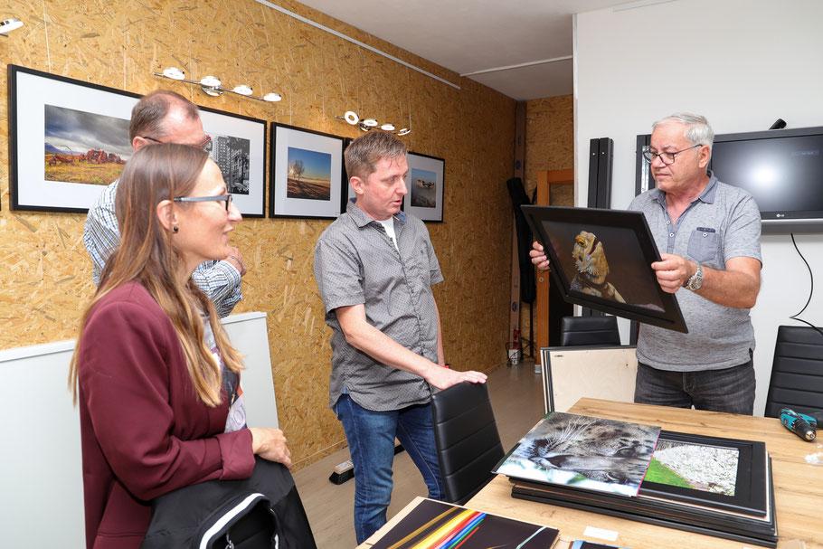Rahmen der Bilder für die Jahresausstellung