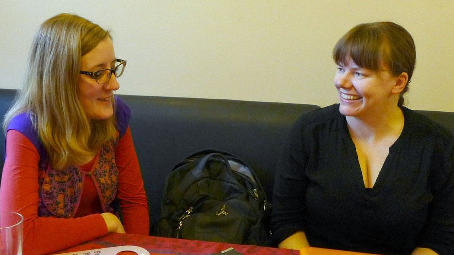 Im Gespräch mit einer anderen Exil-Kölnerin, Foto: Michele Decho