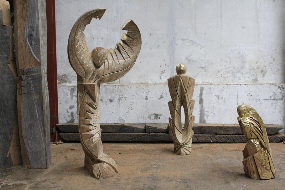 Présence de fleuve, 2014, chêne chaulé, 146 x  147 x 30 cm © Mathilde de Torhout