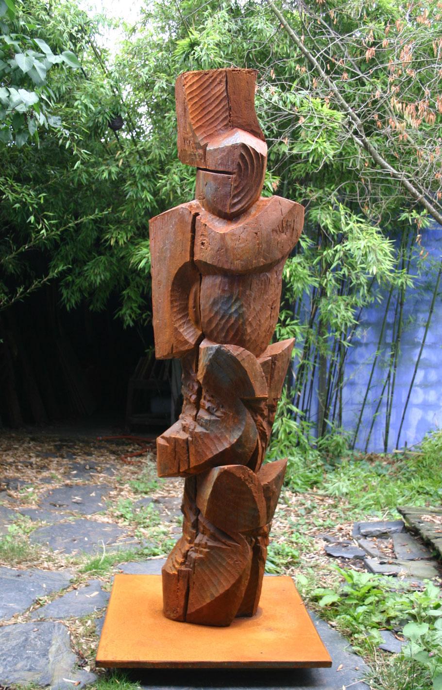 Enki, 2009, cast iron I/I, 230 x 98 x 96 cm © DR