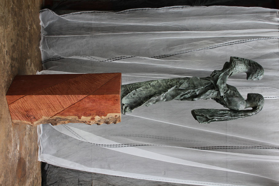 I Am You, 2004, bronze III/VIII, 230 x 111 x 70 cm © Mathilde de Torhout