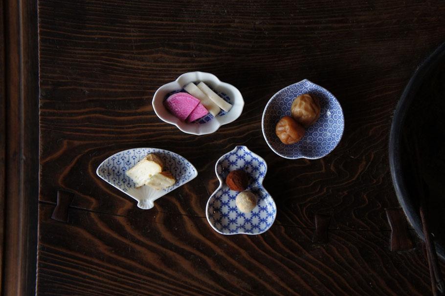 東屋印判撰集豆皿/小鍛冶屋料理