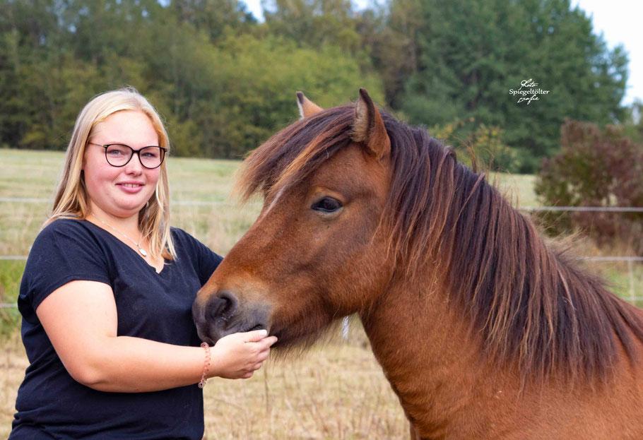 Angelina Horz und Blaevar von Svartaholt