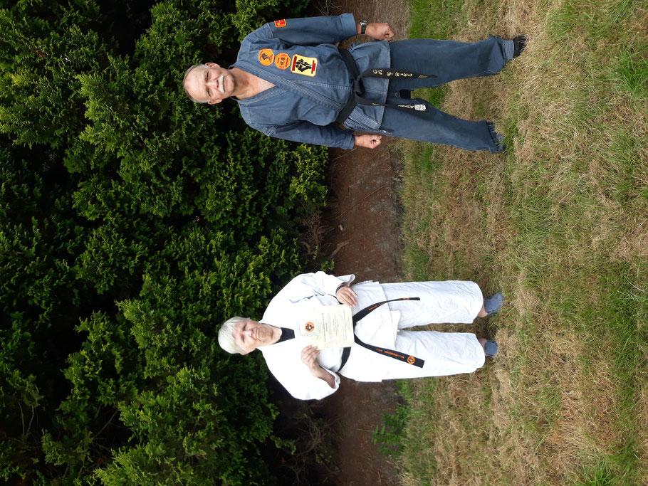 Annelies J.E.M.H. van Bronswijk und GM Erich B. Ries am Ende des Lehrgangs in Apen