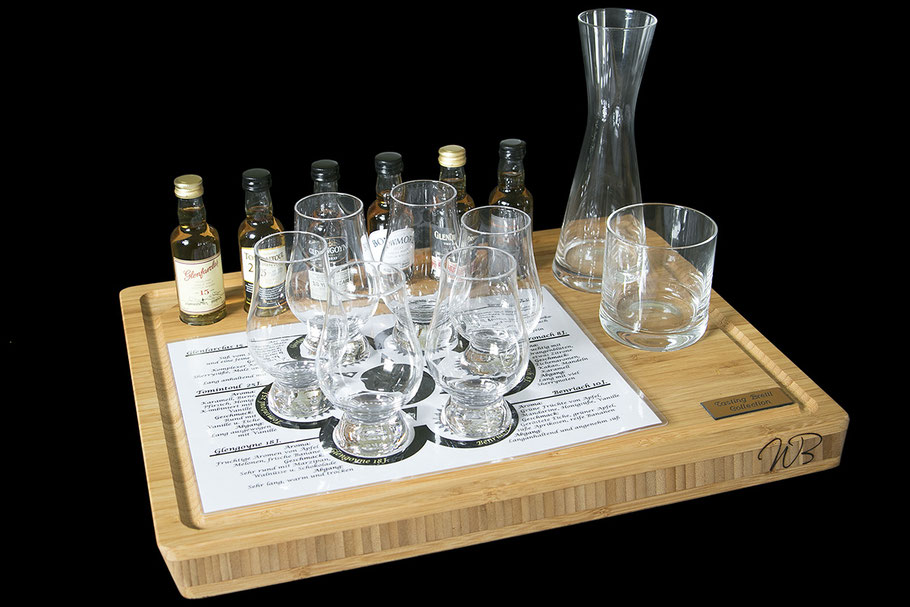 Testing Whisky Brett Set - der Bambus Holz , eine Auswahl an Whisky Sorten und Whiskyglas-Set mit Karaffe