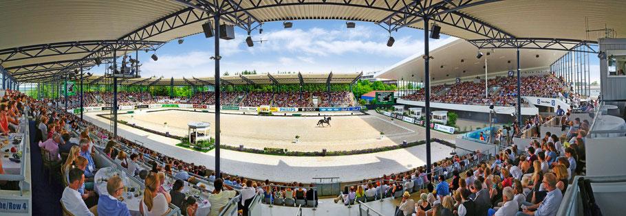 Das imposante Dressurstadion des CHIO : Sitzplätze für über 6000 Dressur-Freunde. (Foto: CHIO Aachen/Andreas Steindl)