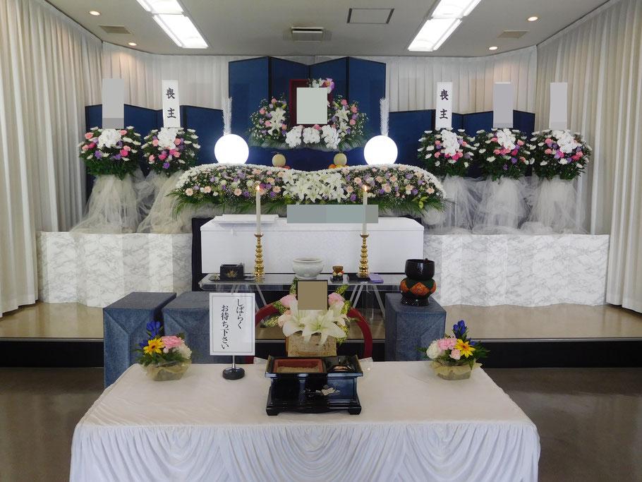 和光市民葬儀の生花祭壇