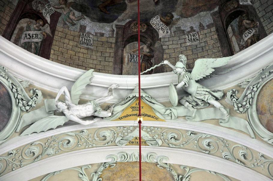 Hieronymus Alfieri: Stuckplastik unter dem Kuppelgesims oberhalb der Orgelempore. Um 1700. Pfarrkirche Laxenburg, Bezirk Mödling, Niederösterreich – Photo: ZAC· 2014