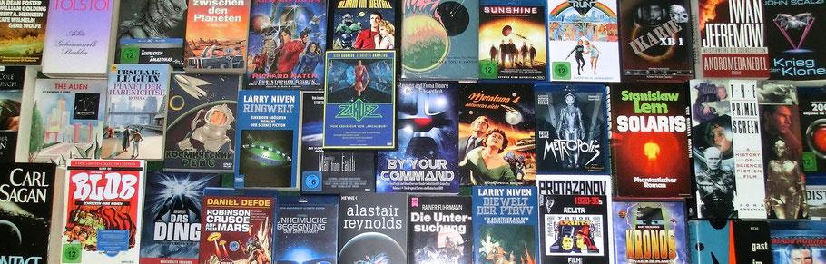 """Aufnahme von einer Masse von Science-Fiction-Büchern, -DVDs und -Blurays aus meinem Besitz -- dem Thema von """"Astron Alpha"""""""