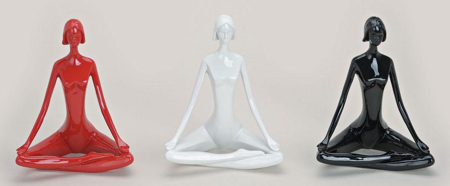 Yoga Frau,meditierende frau im sitz,Frau im Yogasitz