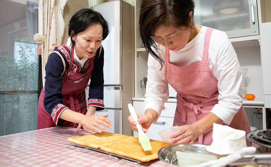 奈良のお菓子教室「シュクセ」レッスン指導風景