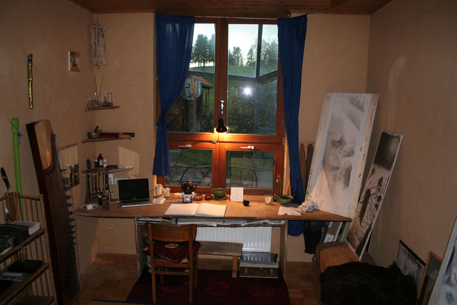 Workspace atelier Art Moonlight-Art Sebastian Rutkowski Room Desktop traditional Chinese asian sumi ink Moonlight