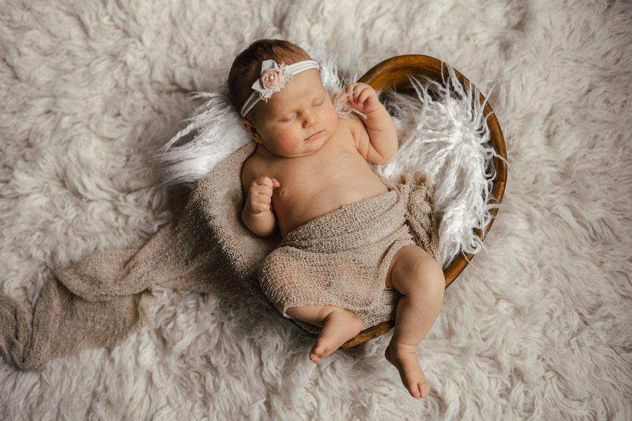 Babyshooting Neugeborenenshooting Fotograf Schloss Holte Bielefeld Babyfotograf Neugeborenenfotograf Babybilder Schloß- Holte-Stukenbrock