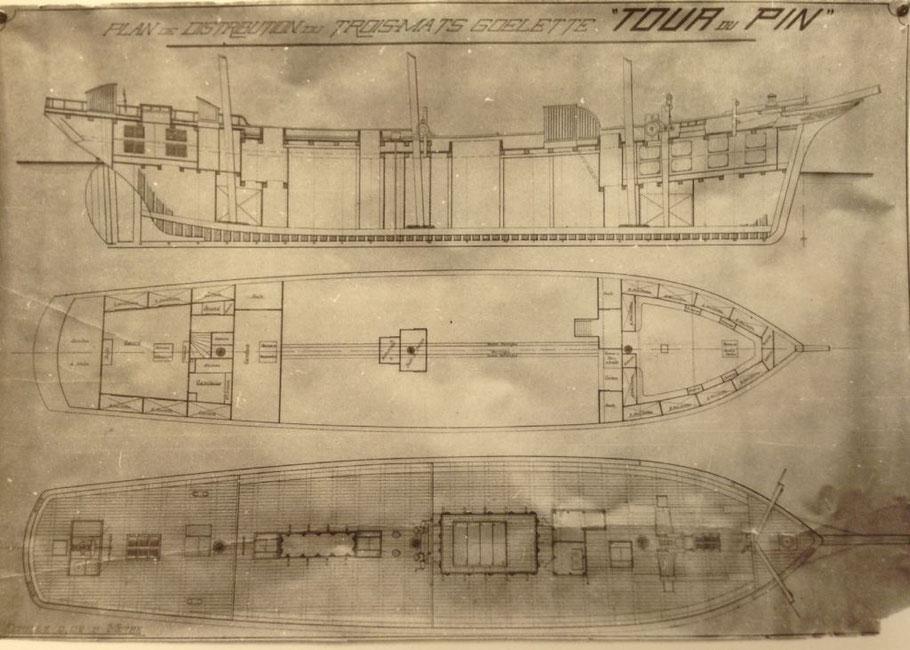 Original du plan de distribution  du Trois-mâts goélette  « Tour du Pin »  en arrière du grand mat l'archipompe un puits au milieu de la cale ou se situe les deux corps de pompe ( coll Alain Marie Gautier)