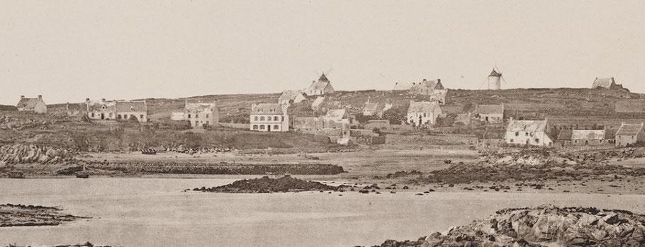 Pors an eoc, vu depuis l'île aux Moutons (photo J.Duclos vers 1870)