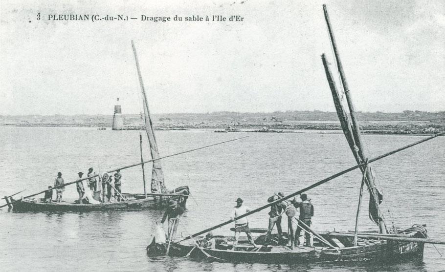 Bateaux de la rivière de Tréguier, avec la technique particulière de la drague perche, remonté grâce à un guideau démontable disposé au milieu du bateau