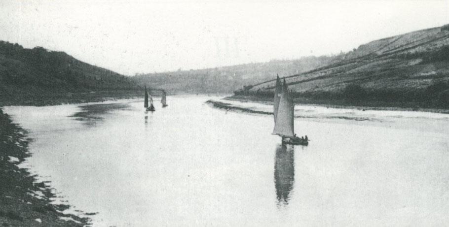 Les bateaux sabliers de Lannion remonte la rivière avec le courant de flot