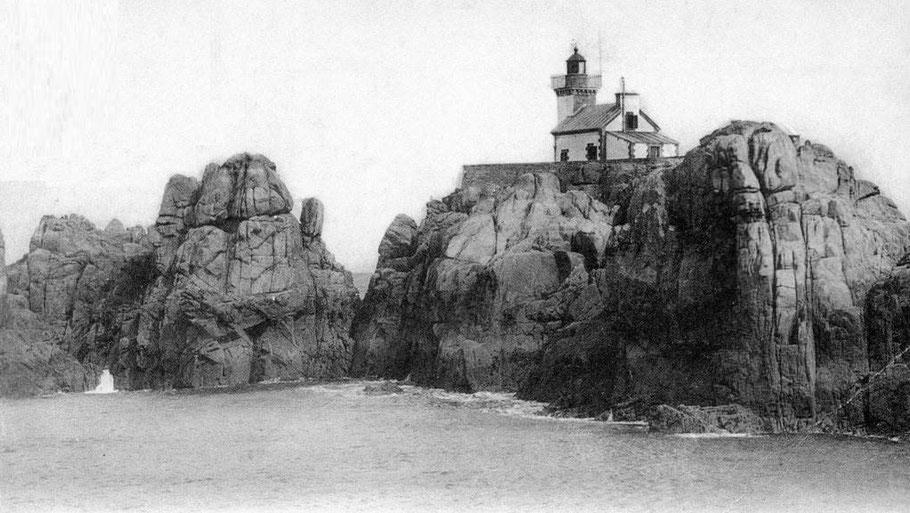 Le phare du Paon à l'extrémité nord de Bréhat