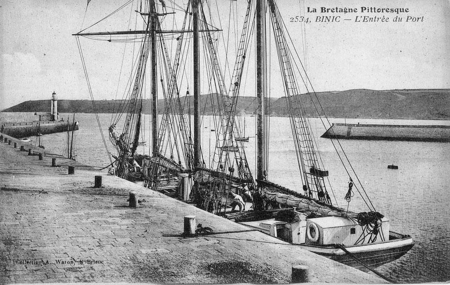 Trois-mâts goélette de cabotage au port de Binic