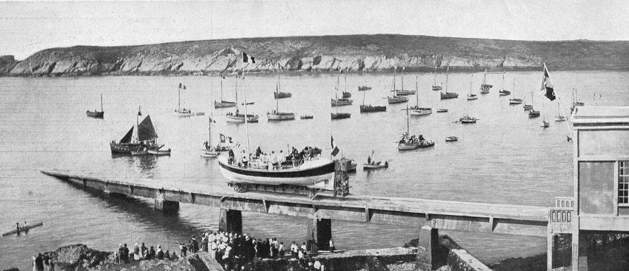 Le canot de sauvetage à moteur Nalie-Léon Drouhin, certainement lors de la cérémonie de baptême en 1932 (coll. personnelle)