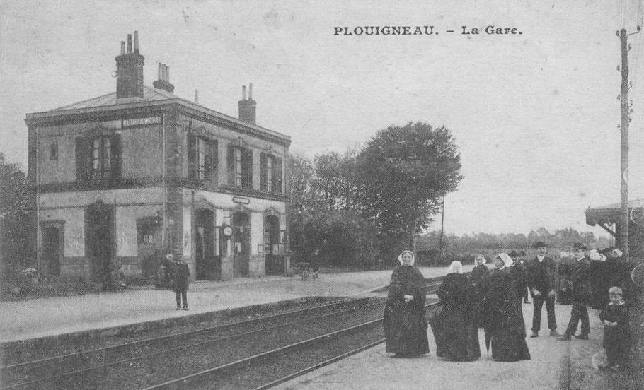 La gare de Plouigneau, commune rurale de l'Est de Morlaix , est plus discrète vis-à-vis de la douane pour les expéditions frauduleuses par le train que la gare de Morlaix