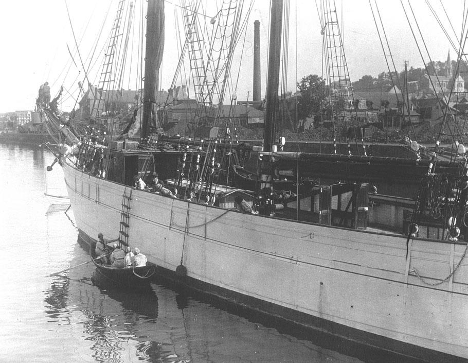 Le bon état Alcyon en 1929  montre bien la qualité de la construction des goélettes Paimpolaise du chantier Bonne Lesueur (Photo agence de presse Meurisse sur Gallica)