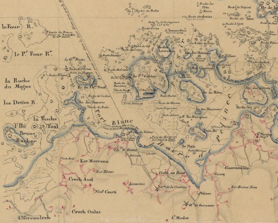 Dans ce que l'on nomme Port Blanc aujourd'hui on distinguait jadis trois ports, dans le nord de la chapelle Notre Dame : Le port Blanc, l'ensemble de la partie Est : Le havre de Pélinec , et dans l'Est de l'île St Gildas : Le Port-Noir