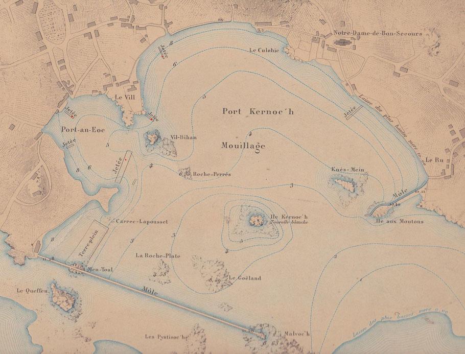 Extrait d'une carte de l'atlas des ports de France de 1877, les bittes d'amarrage en pierre sont identifiées par un point rouge ajouté sur le document