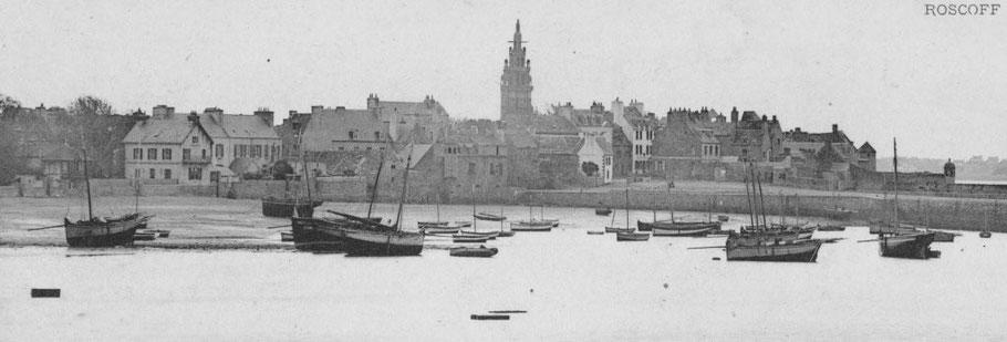 Port de Roscoff vers 1900, sloups pratiquant les pêches aux cordes, aux filets et aux casiers