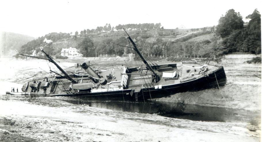 Le vapeur  le Havrais échoué en rivière de Morlaix (coll privée)