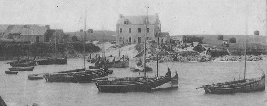 Port de Moguériec vers 1914, les pêcheurs arment déjà une quinzaine de sloups le début d'une grande épopée
