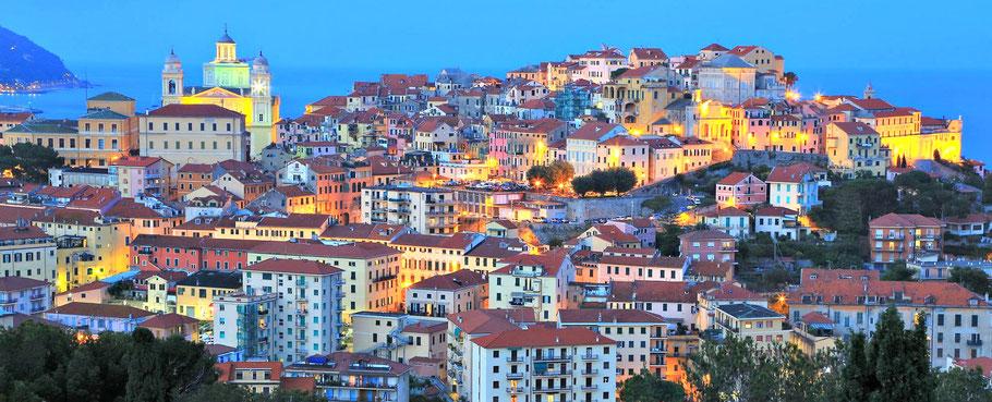 Die Altstadt von Imperia in Italien