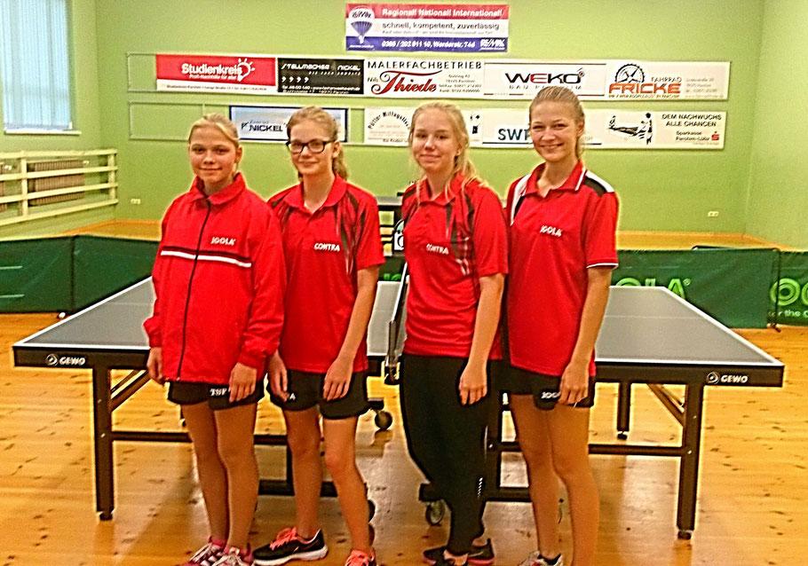 Parchimer Schülerinnen gewannen gegen VfL mit 14:4 v. l.:  Josephine Heilck  (3,5 Siege), Johanna Stein (3,5 Siege), Emma Menzel (2,5 Siege) und Hannah Heilck (4,5 Siege)