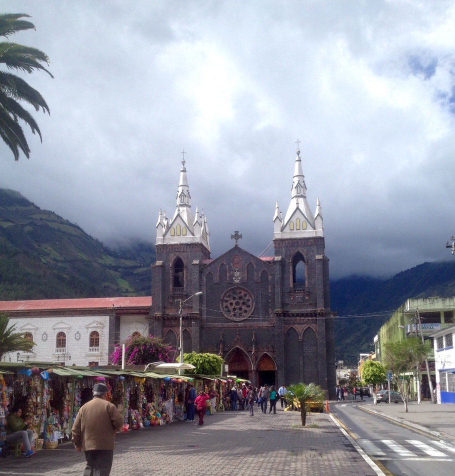 Church in Banos main plaza
