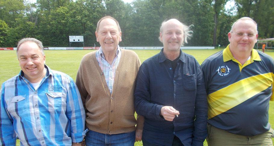 Die Tölzer Oberligamannschaft: v.l. Ralf Mayer, Albert Vosseler, Rainer Holl, Christian Brüninghaus
