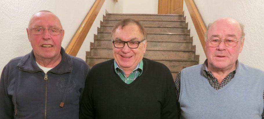So sehen Sieger aus.....    v.l. Michael Thalheim (2.305), Sieger Gero Reichert (2.405) und Gunter Herber (2.186) holten sich neben der Ehre auch noch die traditionelle Ente. Wohl bekomm´s!