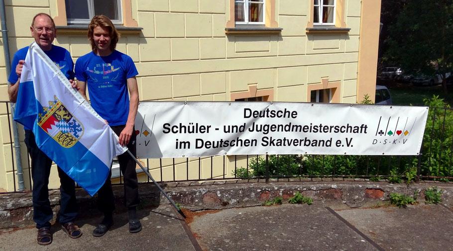 """Zwei Tölzer für Bayern: Delegationsleiter Albert Vosseler und Arno Tiefensee (22.Platz) bei der """"Deutschen"""" in Brandenburg"""