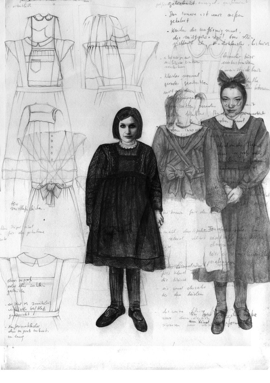 Die Zofen, Schul-Uniform, Mädchen, Jean Genet, Julia B. Nowikowa, Zeichnungen, Figurine, Kostüme, Bleistift, Collage