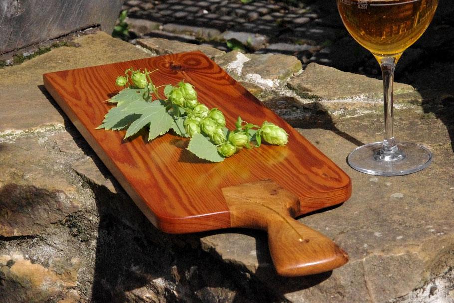 Edles Holzservierbrett aus antikem Eichen-Fachwerk-Balken, Servierbrett aus Holz, Servingboard